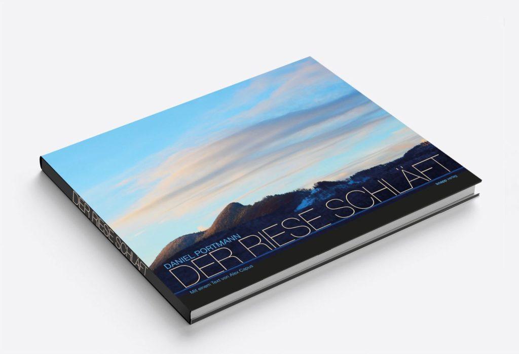 Der Riese schläft: Das Buch von Texter Textmann